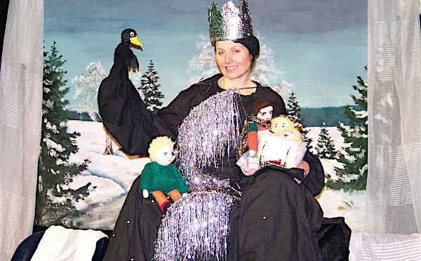 Nellys Puppen Theater ist wieder zu Gast im Gebrüder Schmid Zentrum